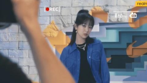 [新闻]200115 杨紫手机拍摄花絮第四弹释出 好酷好飒一女的!