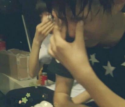 王俊凯被王源吓哭