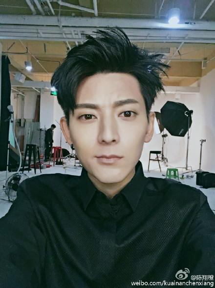 [新闻]161024 黑发的陈翔,你见过么?
