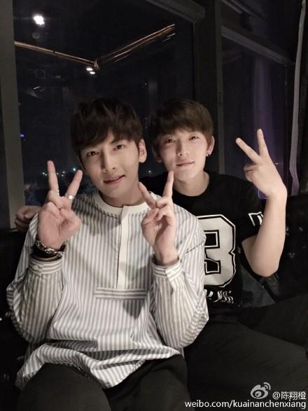[池昌旭][新闻]150430 歌手陈翔微博更新与池昌旭合照