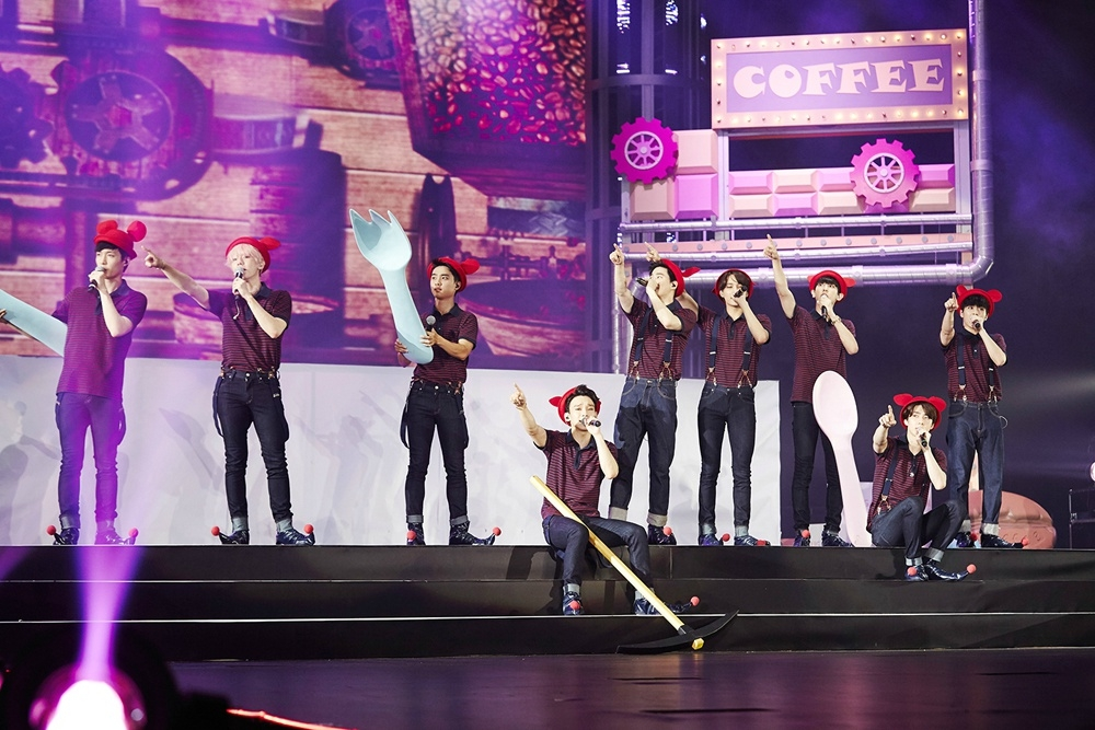 150818 EXO香港演唱会成功落幕 银海 玫瑰花的浪漫