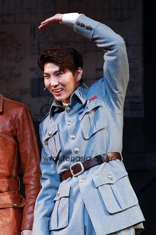 leo舞台热演《玛塔哈丽》
