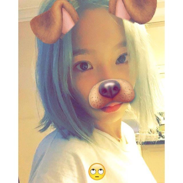 [少女时代][新闻]160430 泰妍晒自拍照片 搞笑贴纸惹自己嫌弃