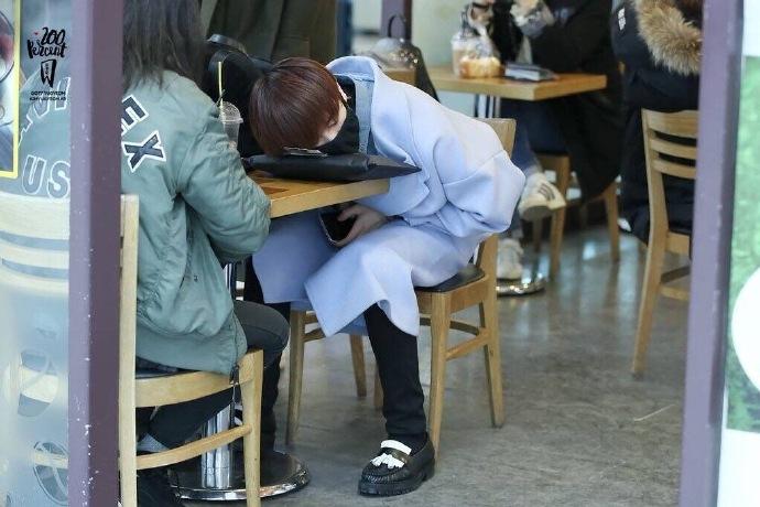 [got7][分享]160819 生无可恋脸!永远睡不醒的瞌睡菠萝宝