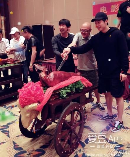 [黄景瑜][新闻]160824 《枪炮腰花》昨日开机 黄景瑜搭戏王千源首当主演