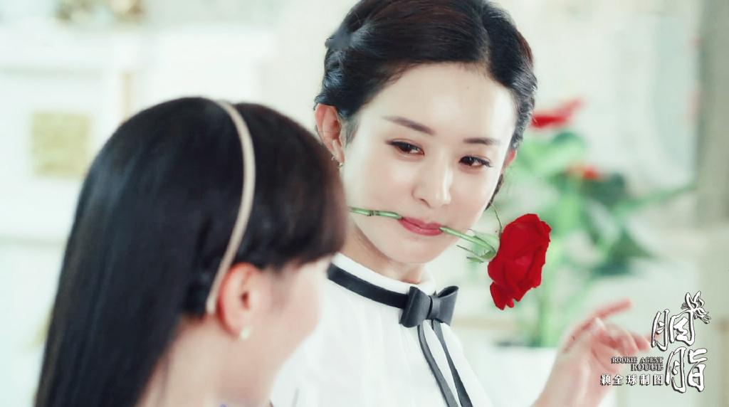 《胭脂》中赵丽颖将角色人物的俏皮可爱与古怪精灵完美呈现,除了展现