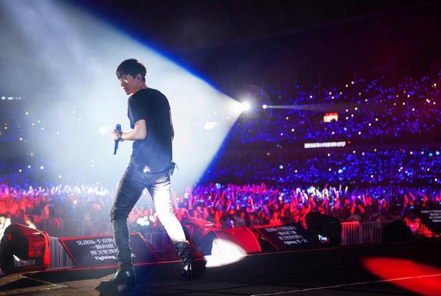 张杰深圳演唱会即将开唱 将唱粤语歌还有神秘嘉宾