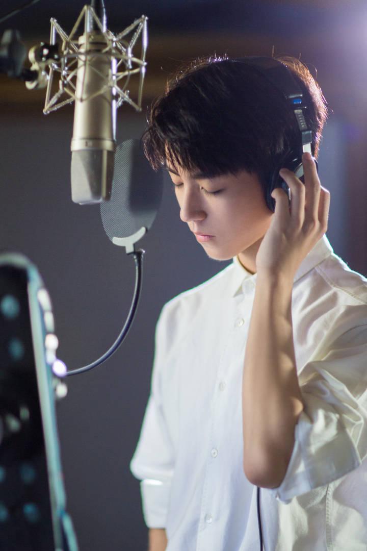 [TFBOYS][新闻]170923 王俊凯工作室再放重大消息 明天10点将有新歌发布