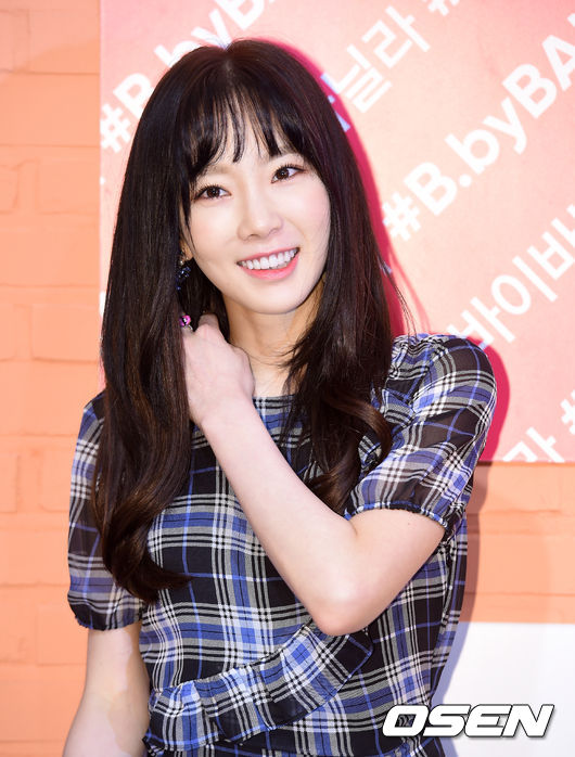 [少女时代][新闻]180109 泰妍出席品牌签名会 清新可爱吸引视线