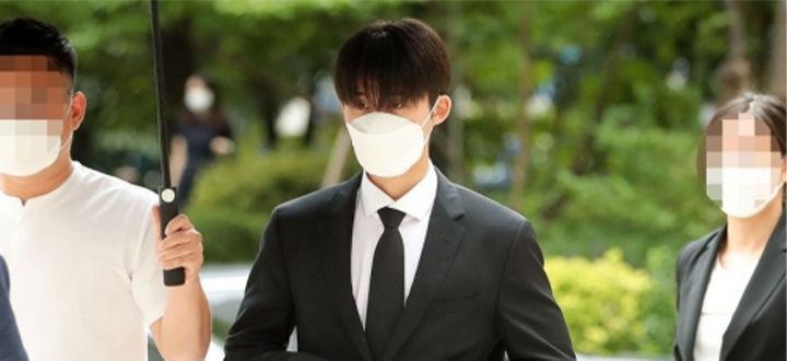 B.I被求刑有期徒刑3年,被罚款150万韩元