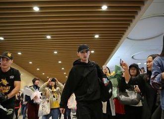 [新闻]180320 国乒男队马龙张继科领衔31人封训 00后天才受瞩目