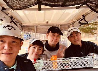 [分享]190227 一空下来就要约起的高尔夫小分队 坤灿又一起运动了!