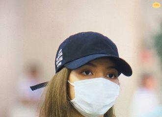 [分享]191019 LISA-Jisoo先行返回韩国 今早金浦机场入境