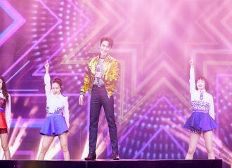 [新闻]200126 朱一龙东方卫视春晚全程重点回顾 承载新年希冀以歌声传递美好祝愿