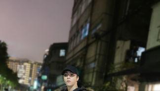 出没在台湾街头最帅的崽 陈立农上线营业发来帅气街拍