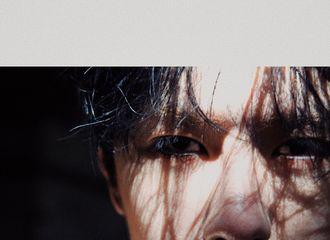 [新闻]200331 摄影师分享王一博怼脸高清旧照 大家的网盘都有这么多好东西吗?