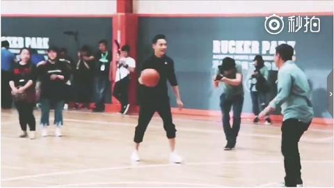 陈 打篮球的时樾哥哥 这次是运动学长风