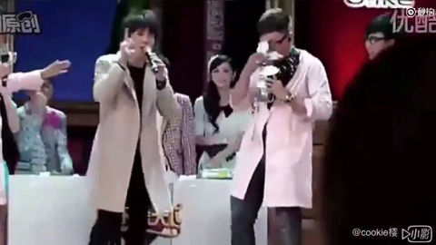 [分享]200403 一只被辣椒辣到唱不了歌的可怜薛 心疼又好笑!