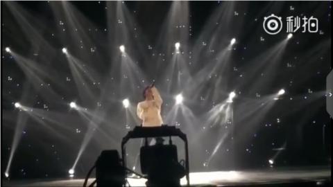 [新闻]180420 谦友分享《跨界歌王》录制花絮 首秀舞台令人期待