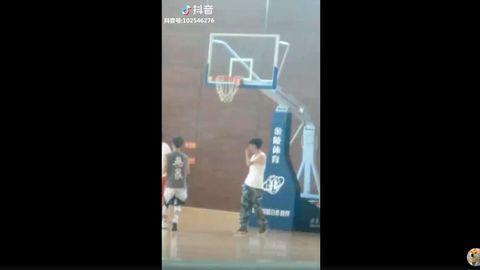 [分享]180917 刘源学长打篮球 一举一动撩拨你心弦