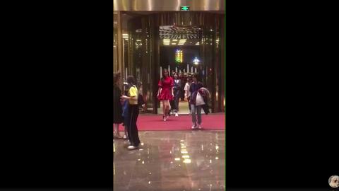 [新闻]180924 唐嫣2018央视中秋晚会录制:一袭红裙大长腿瞩目