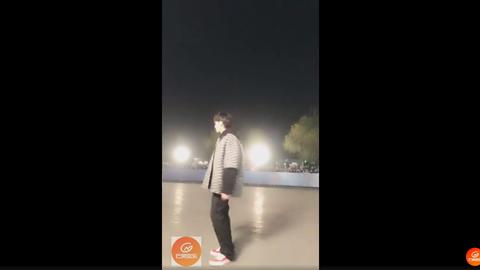 [新闻]181114 吴亦凡《中国音乐公告牌》上班打卡直播:今日份的靓崽爱了!