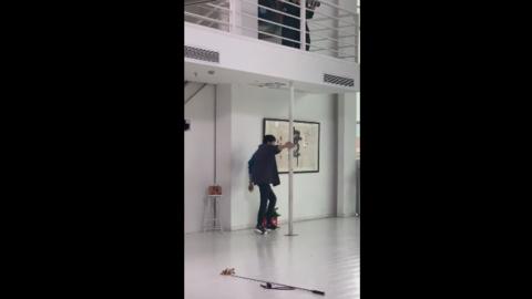 [新闻]190523 舞蹈黑洞刘宇宁跳舞实录:爱的魔力转圈圈!