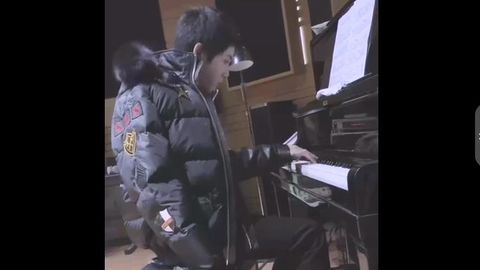 [华晨宇][新闻]191203 明日新歌正式上线准时约!华晨宇更新钢琴弹奏版《好想爱这个世界啊》