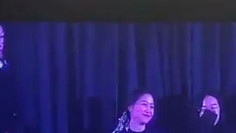[分享]200119 小小一只超可爱~Yeri现身泰妍前辈演唱会