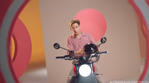 [分享]200228 又一新代言!BamBam骑着摩托来接你回家啦~