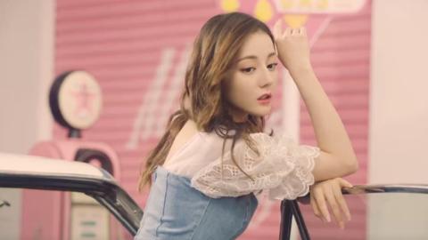 [新闻]200405 迪丽热巴夏季广告大片公开 热巴化身最sweet的甜心女郎