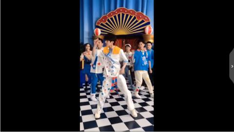 [新闻]200629 跑男版《情人》舞蹈挑战公开 请立刻成团原地出道!