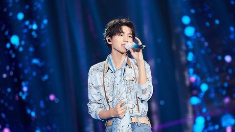 [新闻]200920 王俊凯《TOP荣耀时刻》演唱《生长》 彼此陪伴去寻找更美的远方