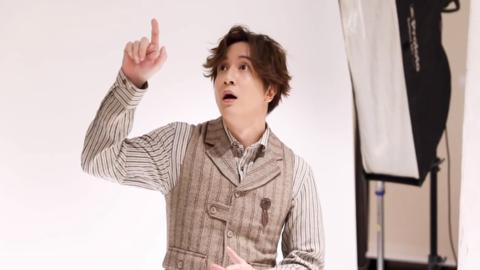 [新闻]201021 《神奇公司在哪里》分享薛之谦宣传照拍摄花絮 可酷可帅可搞怪好绝一男的