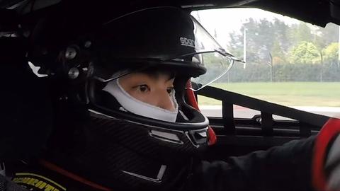 [新闻]201024 赛车手吴亦凡首次出征 赛车首秀万众期待