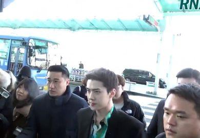 200115【世勋】仁川机场出发新闻频,从机场开始就是T台秀