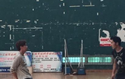 [新闻]150311 灌篮高手李易峰炫球技 粉丝:腰力真好