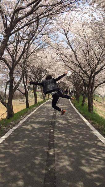 [新闻]150420 尹斗俊赏樱花认证照