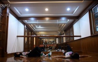 [新闻]150511 台湾童星sandy&mandy模仿I NEED U舞蹈