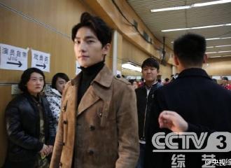 [新闻]160130 CCTV首次公开杨洋春晚彩排幕后花絮
