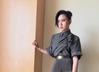 [分享]160414 特色长裙加高跟鞋 周笔畅hold得完美