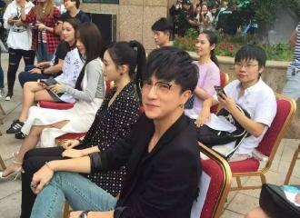 [分享]161130 来自剧组人员的赞美再次发射,薛之谦是公认的好!