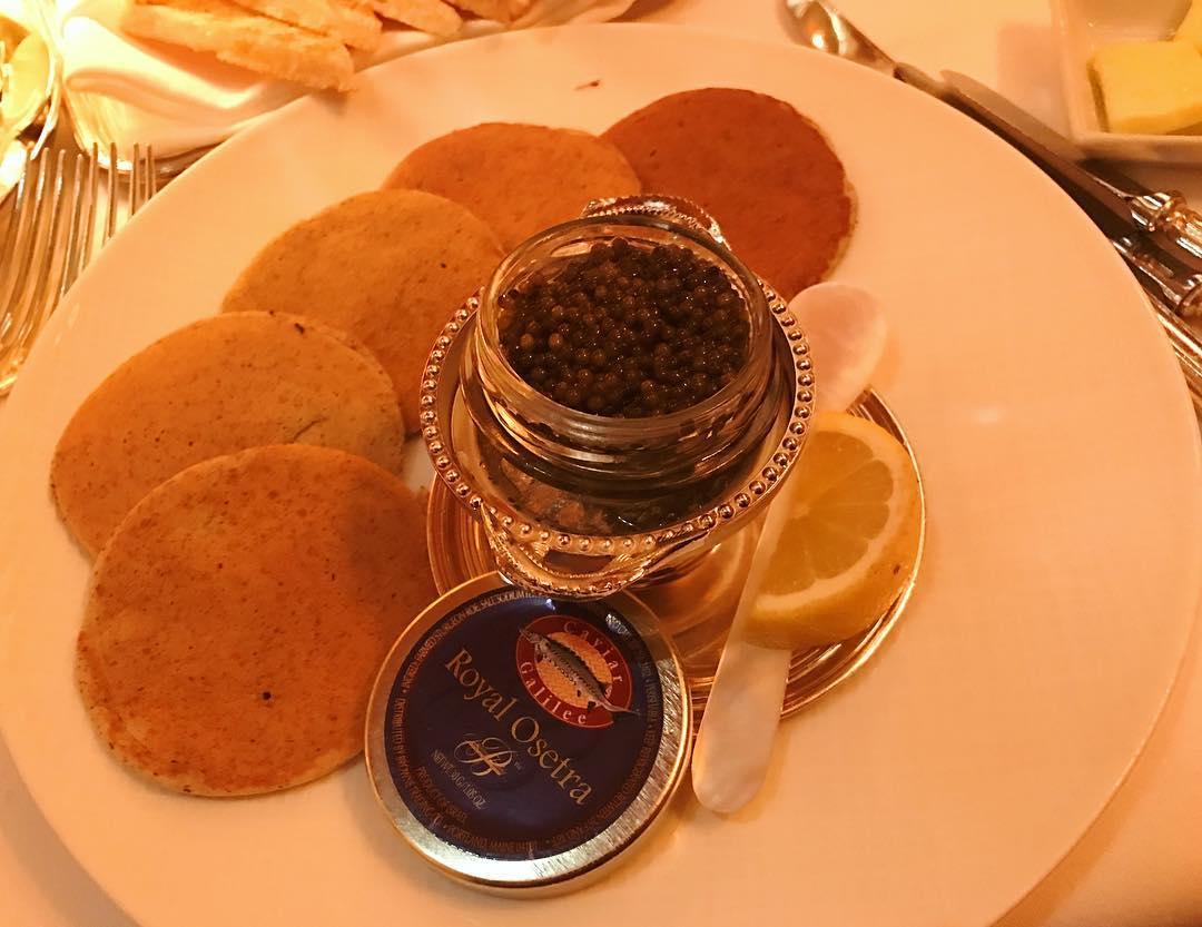 [分享]170118 被美食刷屏的感觉?跟着贵族TOP享受皇家下午茶