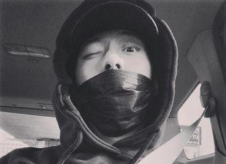 [新闻]170121 正信釜山自拍 眨眼俏皮显可爱