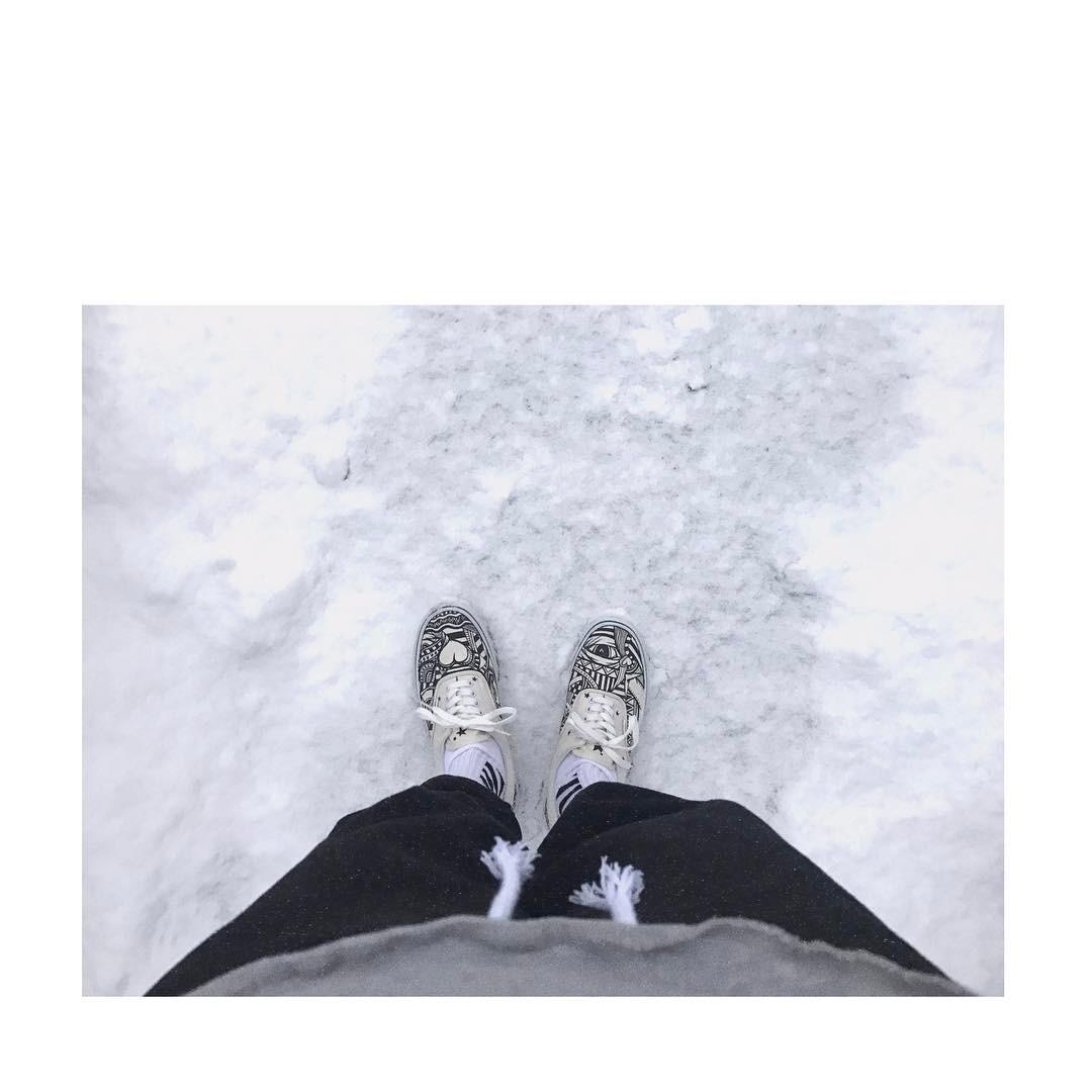 [新闻]170122 润润跟你一起感受雪天 连鞋子也是充满个性