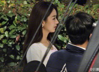 [新闻]170219 赵丽颖杨洋合体拍广告 两人笑容好甜