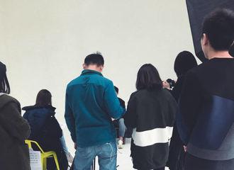 [分享]170220 杂志大片拍摄中 准备好迎接新图了吗?!