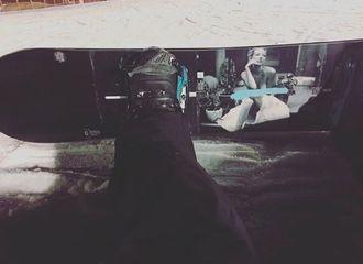 [新闻]170228 只要还有地上雪,我就还能滑!世勋SNS晒出酷炫滑雪板