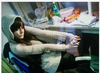 [分享]170510 迪丽热巴大学寝室自拍照曝光?从小美到大的热巴没在怕!