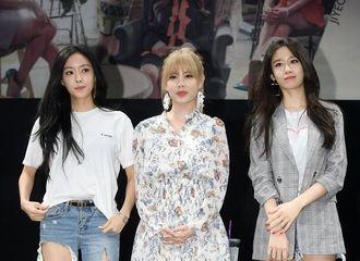 [新闻]170618 T-ARA今日举行迷你十三辑第二场签售会  美丽帅气的仙女姐姐们